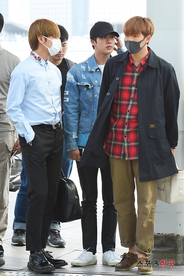BTS 空港 ファッション VとRM