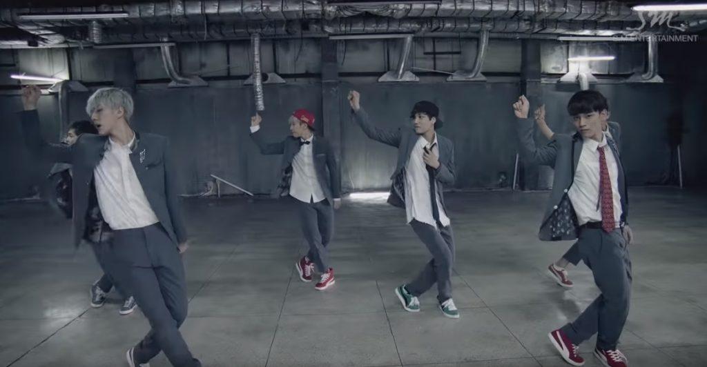 EXO(エクソ)으르렁(Growl) MV