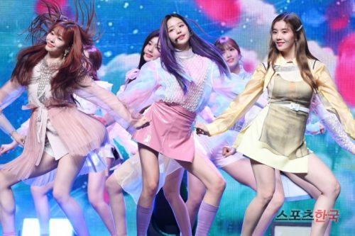 日韓共同アイドルグループIZ*ONE