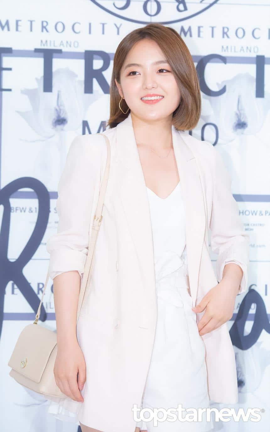 子役出身の女優ソ・シネはスジンの同級生