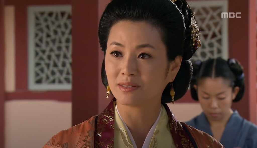 キョン・ミリは『朱蒙』でテソとヨンポの母役を演じた
